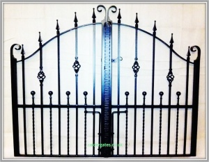 Wessenden Wrought Iron Metal Estate Gate