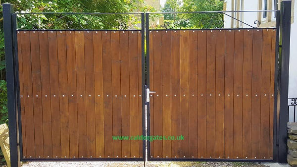 Sherwood Metal Driveway Gate With Wood Infill Www