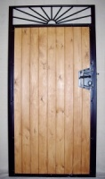 Sunrise Wood infill / steel frame side gate with lock