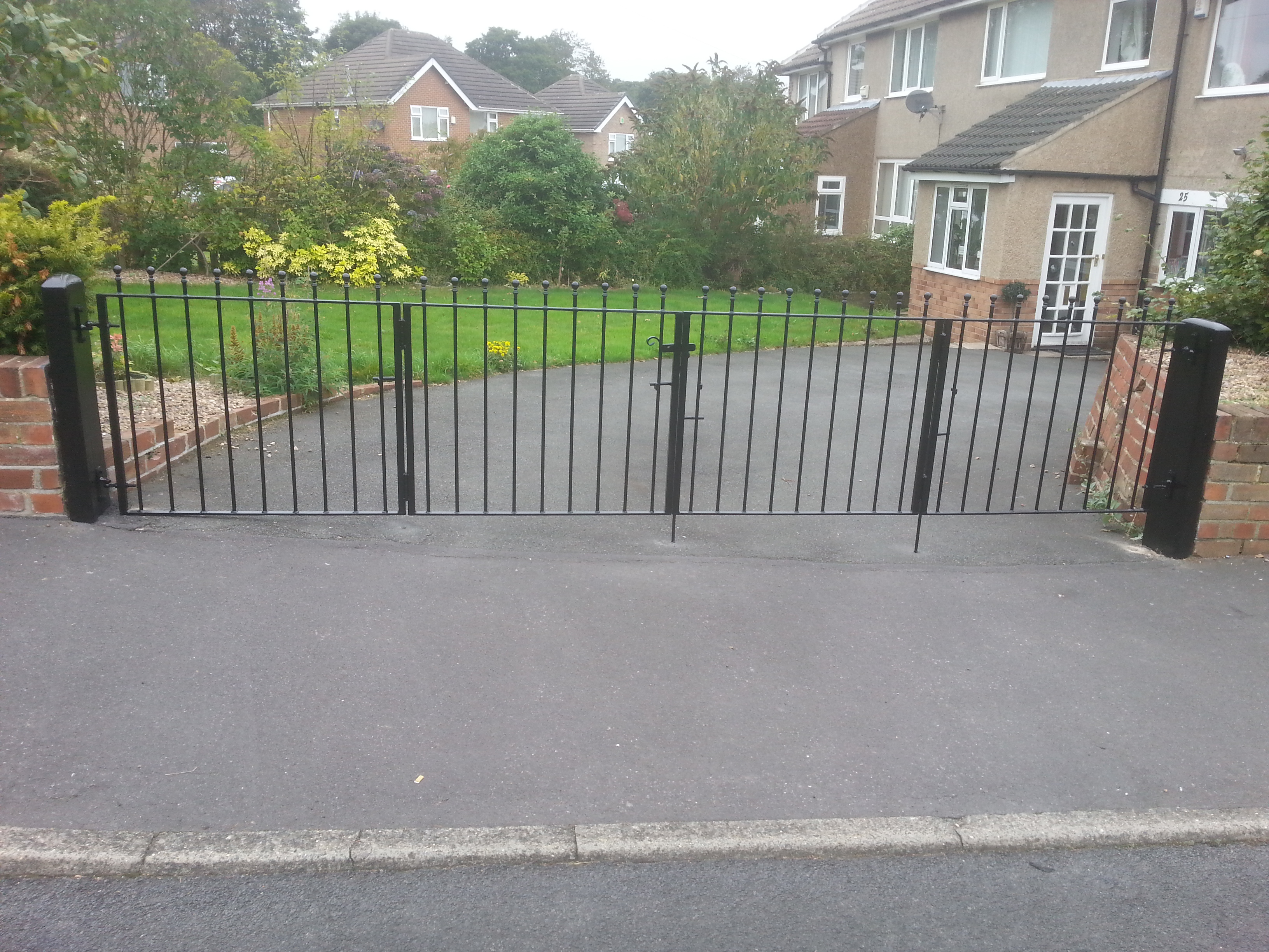 Folding wrought iron gates uk
