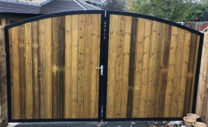 Arched Top Metal Estate Gate With Wood Infill