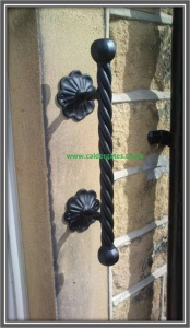 Wrought Iron Metal Twist Grabrail - Heavy Duty