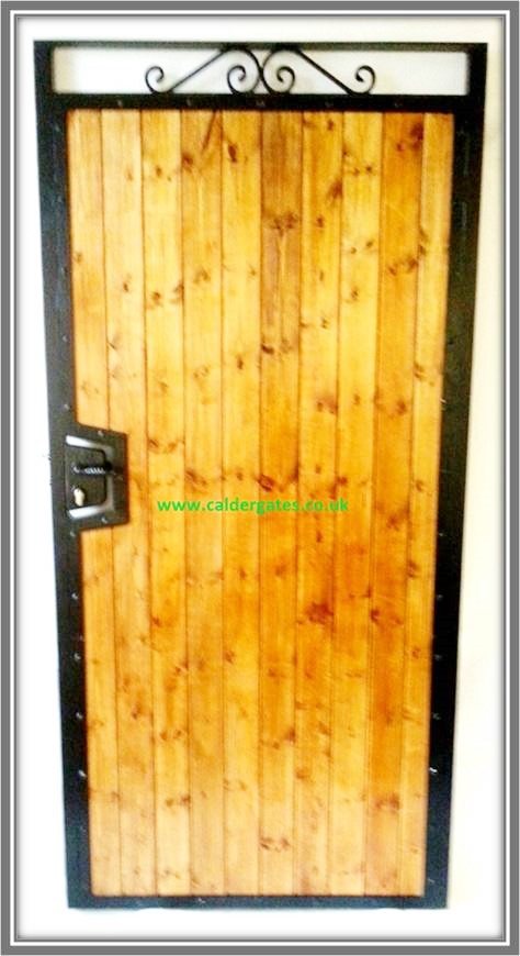 Sherwood Wood Infill Metal Side Entry Gate